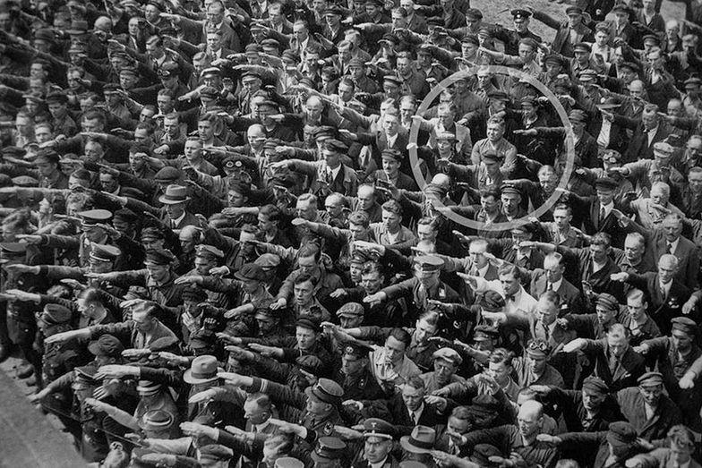August Landmesser jako jedyny nie pozdrowił Hitlera, 1936 rok