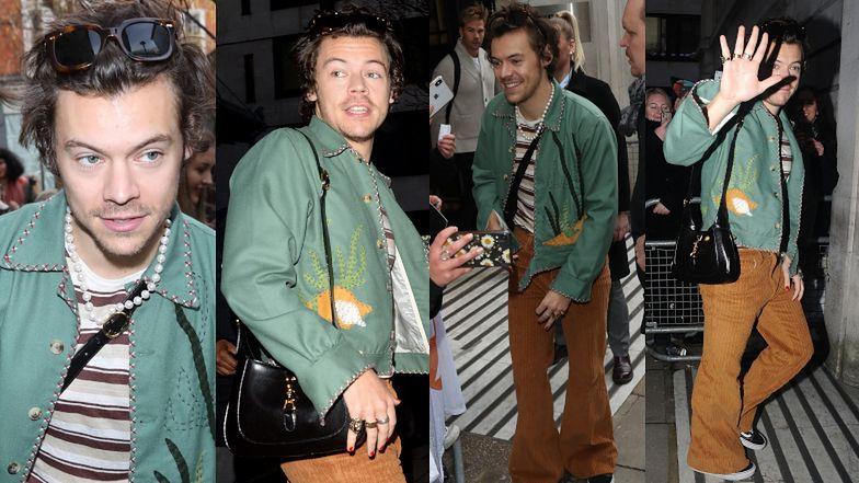 Harry Styles przemierza Londyn z damską torebką