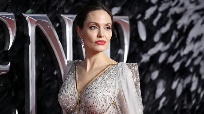 Angelina Jolie chce odwołać sędziego. Co ją tak zirytowało?