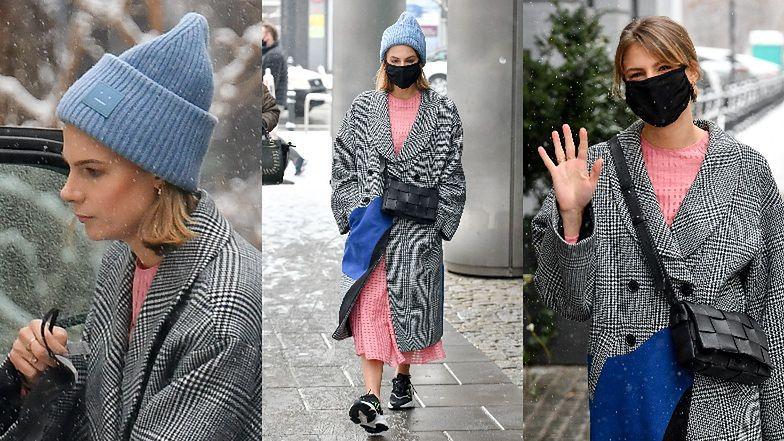 Marta Wierzbicka z torebką za 7,5 tysiąca drepcze w adidasach przez zaśnieżone ulice (ZDJĘCIA)