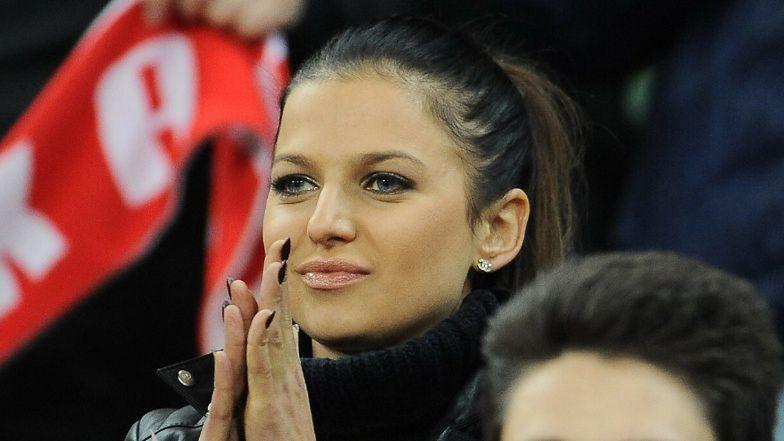 Najwierniejsza kibicka Anna Lewandowska z Klarą na biodrze dopinguje rodaków na Stadionie Narodowym (FOTO)