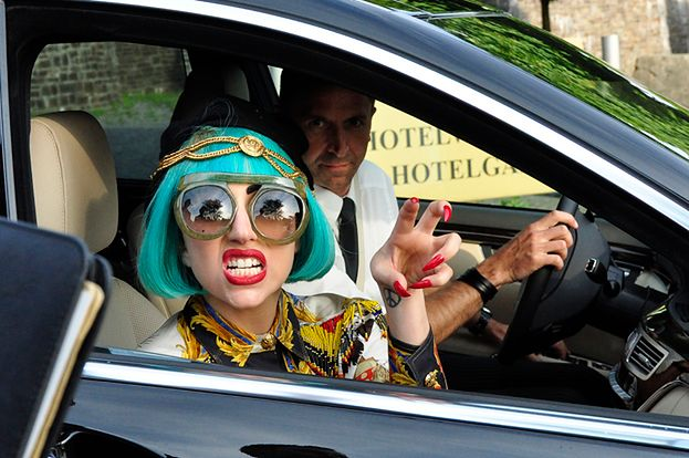 """Lady Gaga apeluje: """"Nie spieszcie się z seksem!"""""""