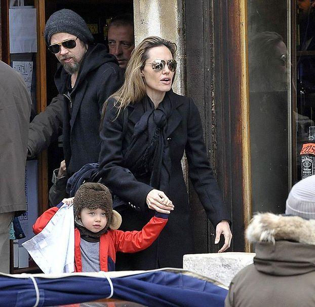 """""""Angelina to zapatrzona w siebie psycholka! MALTRETUJE DZIECI"""""""