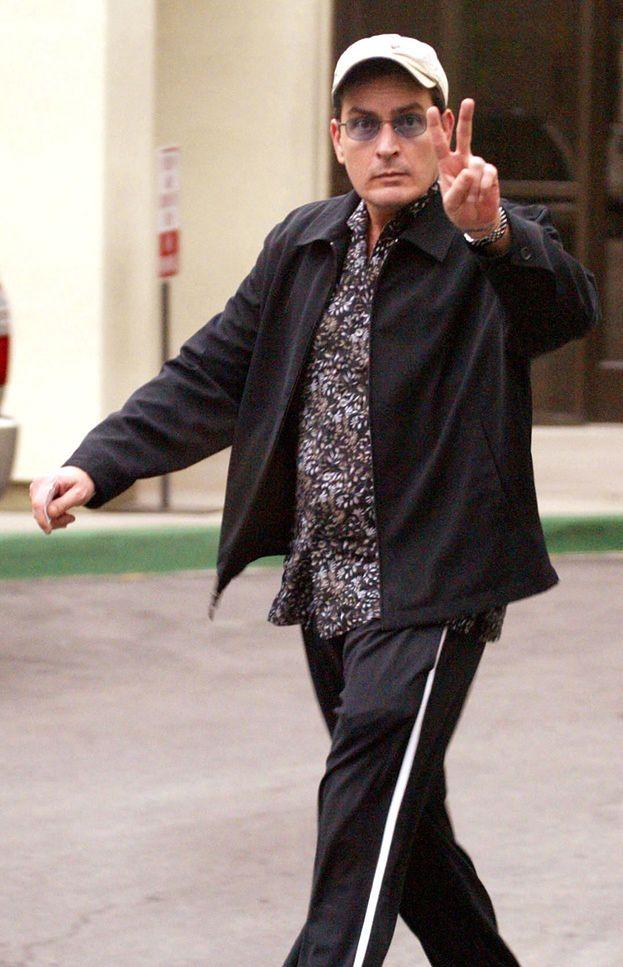 Charlie Sheen ZDEMOLOWAŁ HOTELOWY POKÓJ!