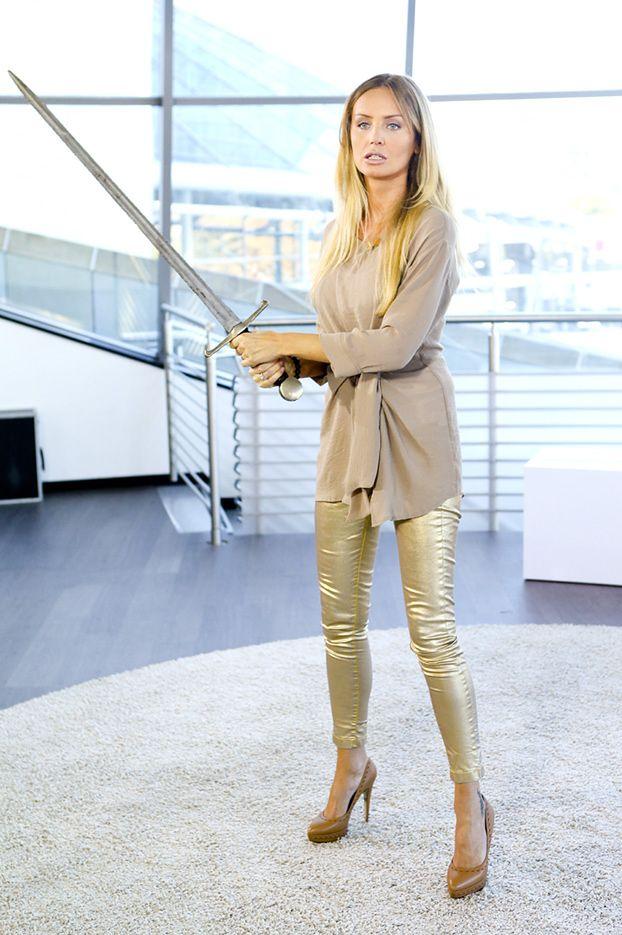 Nogi Szulim w złotych spodniach!