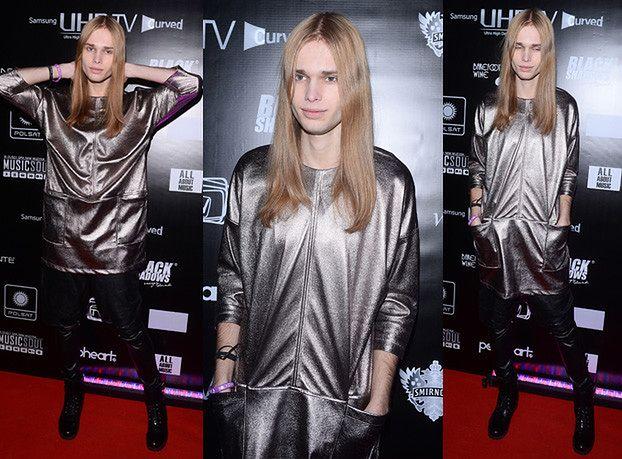 "Mateusz Maga w srebrnej ""sukience""… (ZDJĘCIA)"
