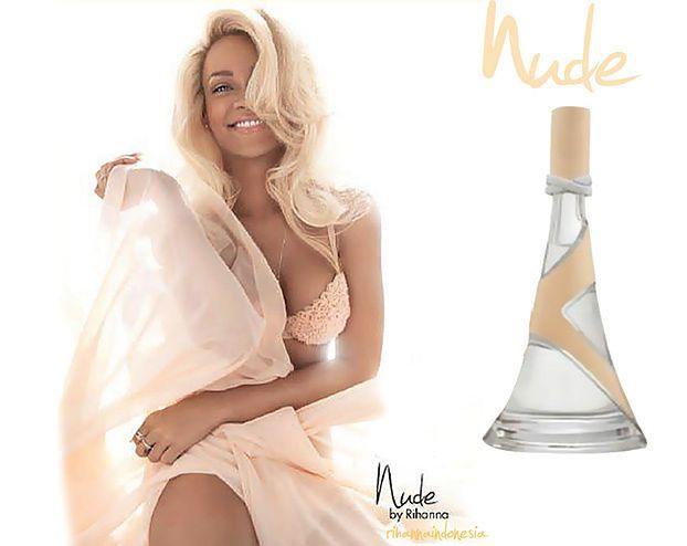 Rihanna w staniku promuje perfumy! (FOTO)