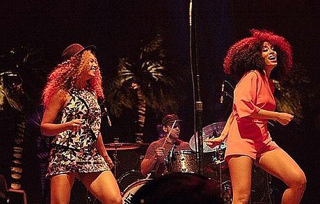 Beyonce tańczy z siostrą na jej koncercie!