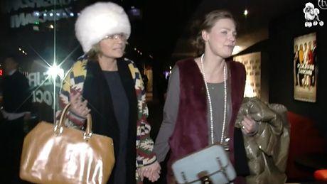 Dorota Deląg za rękę z przyjaciółką...