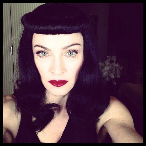 Madonna w CZARNEJ PERUCE!