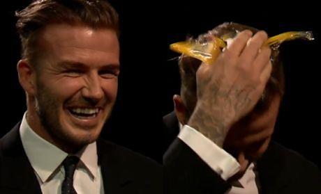 David Beckham rozbija sobie jajko na głowie!