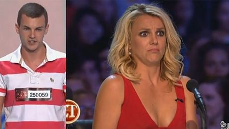 "Fan Britney masakruje jej piosenkę w ""X Factor"""