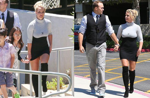 Britney w obcisłej sukience (ZDJĘCIA)