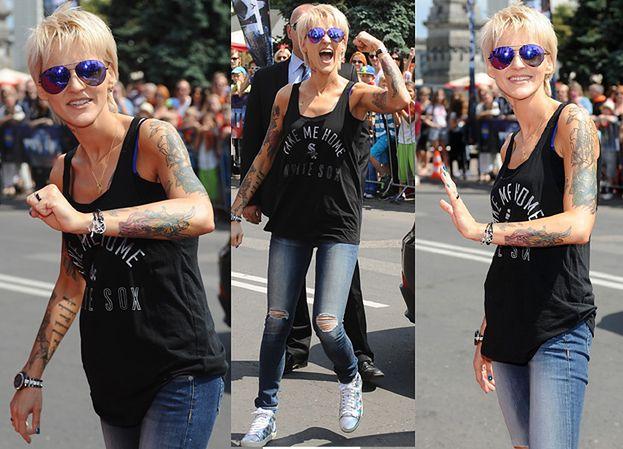 Szczupła Chylińska pokazuje tatuaże (ZDJĘCIA)