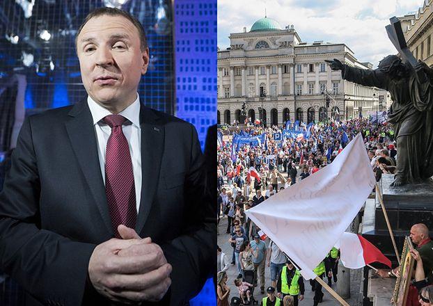 Ile osób naprawdę było na marszu KOD-u? Według TVP... tylko 45 tysięcy!