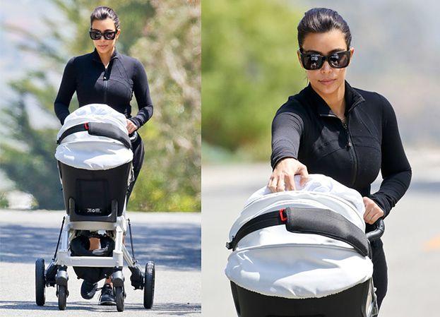 Kim Kardashian na spacerze z córką! (ZDJĘCIA)