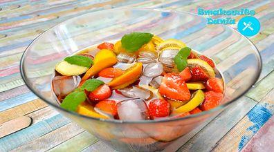 Poncz alkoholowy z owocami. Orzeźwiający trunek idealny na lato