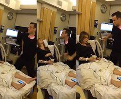 Robbie Williams tańczy i śpiewa przy rodzącej żonie! (WIDEO)