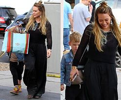 Hilary Duff zasłania synka torbą