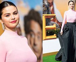 """Selena Gomez w pudrowym sweterku bryluje na premierze """"Doktora Dolittle"""" w Los Angeles (FOTO)"""