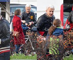 Wyluzowany Hubert Urbański na rodzinnym spacerku z dziećmi i kandydatką na trzecią żonę (ZDJĘCIA)