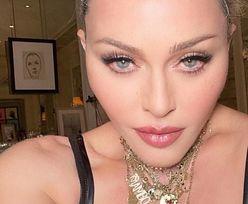 62-letnia Madonna prezentuje internautom DORODNE PIERSI. Wygląda jak własna córka? (ZDJĘCIA)