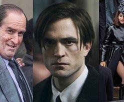 """Wyciekły zdjęcia z planu nowego """"Batmana""""! Robert Pattinson, Zoe Kravitz i Colin Farrell jako żałobnicy (ZDJĘCIA)"""