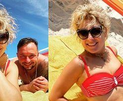 """Magdalena Narożna w czerwonym bikini smaży się na plaży w Łebie. """"Parawan OBOWIĄZKOWY"""" (ZDJĘCIA)"""