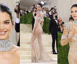 Gala MET 2021. Kendall Jenner błyszczy w kreacji Givenchy inspirowanej Audrey Hepburn (ZDJĘCIA)