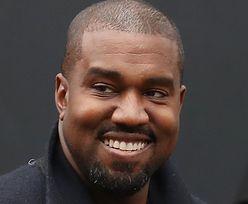 Kanye West znowu pokazał się W WORKU NA GŁOWIE. Tym razem poszedł na pokaz Balenciagi... (ZDJĘCIA)