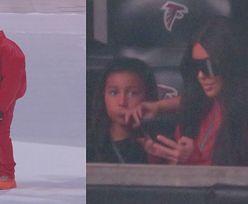 """Kanye West w trakcie koncertu PADŁ NA KOLANA I PŁAKAŁ! """"Tracę rodzinę"""""""