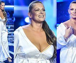 Wyzwolona Joanna Liszowska kusi na scenie GŁĘBOKIM DEKOLTEM (ZDJĘCIA)