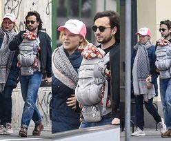 Naturalna i uśmiechnięta Joanna Kulig spaceruje ulicami Warszawy z mężem i dzieckiem (ZDJĘCIA)