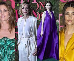 Cindy Crawford, Cate Blanchett, Julianne Moore i Emily Ratajkowski pozują na gali w Mediolanie (ZDJĘCIA)