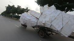 Jechał jedną z głównych ulic Hanoi. Nie mógł uwierzyć w to, co zobaczył