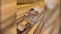 Śnieżyca zablokowała Madryt. Samochody utknęły na ulicy