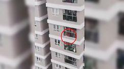 Dwulatka wypadła z 12. piętra. Przerażające nagranie świadków