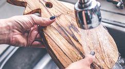Jak poprawnie czyścić deskę do krojenia? Oto kilka sprawdzonych sposobów