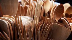 Drewniane łyżki na lata. Podpowiadamy, jak dbać i konsekrować tego typu akcesoria kuchenne