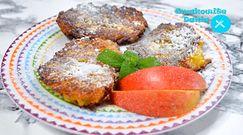 Smaczne placki kukurydziane z jabłkami. Idealny przepis na lekki obiad lub kolację