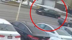 Pościg na masce auta. Monitoring zarejestrował przerażający moment