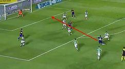 #dziejesiewsporcie: odpalił petardę w meczu o Puchar Maradony. Kapitalny gol!