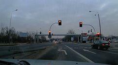 Swarzędz. Bez prawa jazdy i na czerwonym świetle. Kierowca z Ukrainy słono za to zapłacił