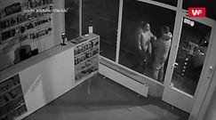 Kłótnia pod sklepem. Kamera nagrała coś niespodziewanego