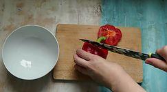 Sposób na błyskawiczne krojenie papryki. Zobacz, jakie to proste