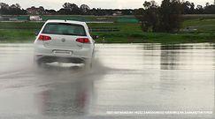 Bridgestone Weather Control A005 - przyczepność na mokrym łuku