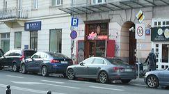 Tomasz Lis też parkuje na zakazie