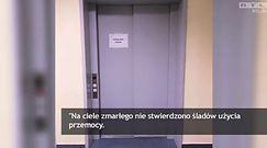 Ciało pacjenta w szpitalnej windzie