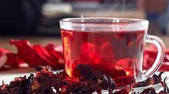 Napój idealny na upały. Herbata z hibiskusa