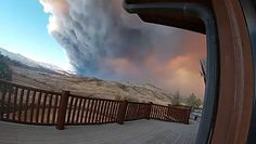 Niebo zakryte chmurami gęstego dymu. Największe pożary w historii Kolorado